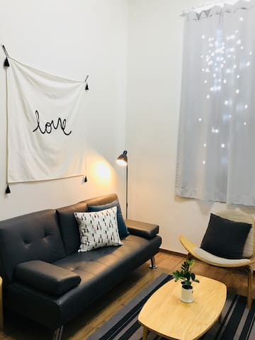 ★Happy Min's House★아늑한 복층,지하철1분 Cozy and Clean :-)