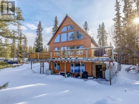 Suite in Chalet style home on 4 acre property