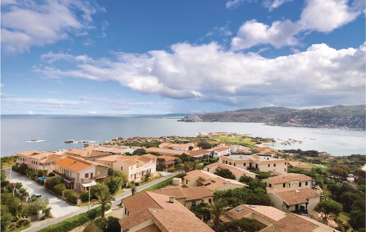 Holiday apartment with 1 bedroom on 40m² in Santa Teresa Gallura
