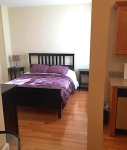 Large Renovated Allston Studio Right on T! - Daire