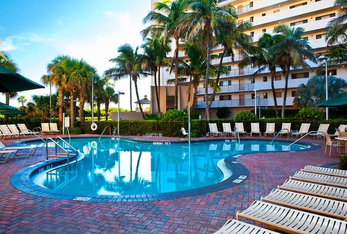 Vistana's Beach Club: 2-BR, Sleeps 6, Full Kitchen - Jensen Beach - Apto. en complejo residencial