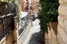 Pedestrian access to the Clivo Oasi..