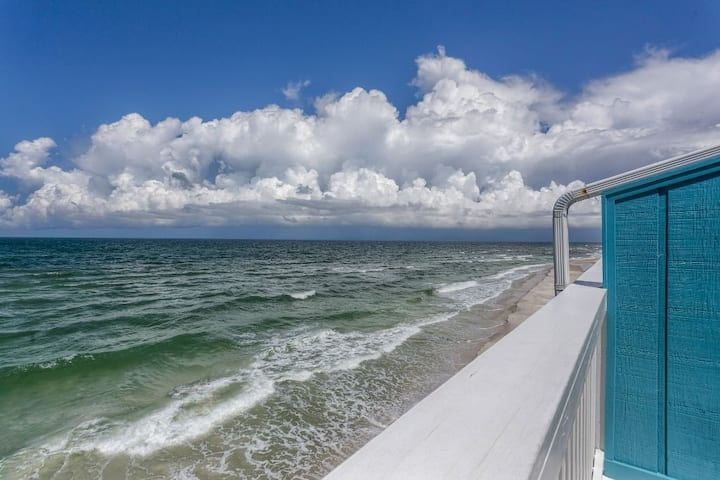 Gulf Front, Screen Porch, On Top Of The Water, CSB Beach Rental ~ Southern Sunset