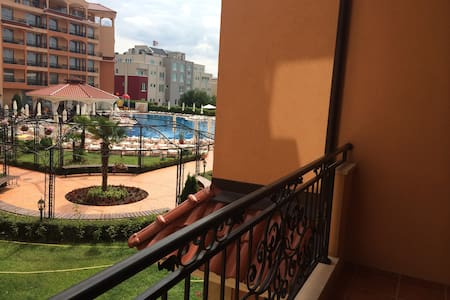 Affordable luxury for a retreat at Sunny Beach. - Sunny Beach
