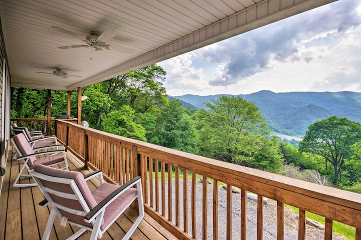 Mountain View Marshall Home w/Private Hot Tub!