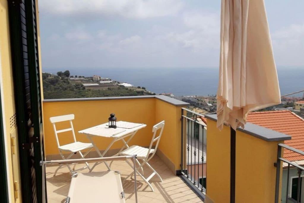 Casetta gianna un buongiorno vista mare appartamenti for Disegni popolari della casa