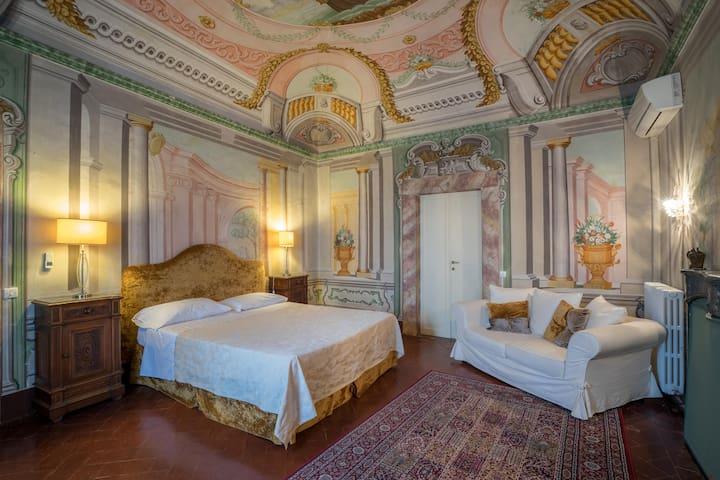 Count Sermolli's room in 16th century villa