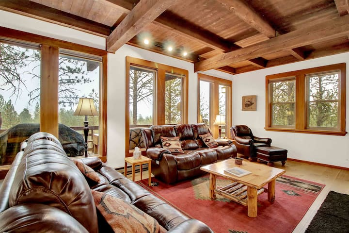 Family Friendly Tree House Cabin