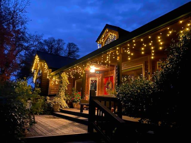 Sierra Foothills Wine Country Retreat