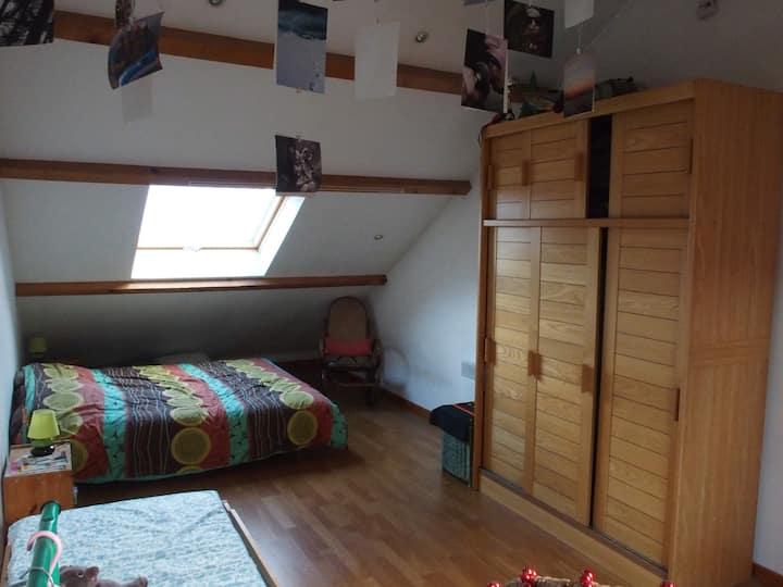 Grande chambre 1 avec SDB/WC indépend 4 couchages.