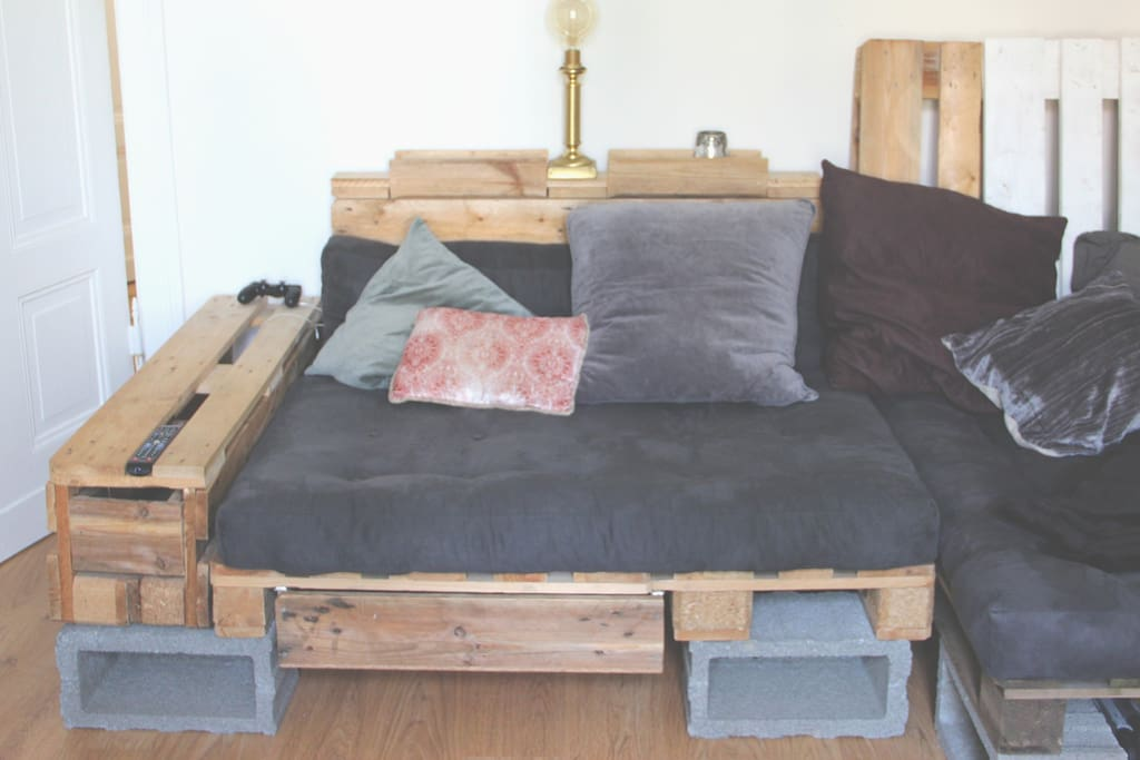 your comfy couch bed :)
