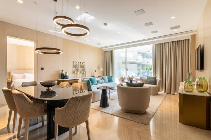 Plush Two Bedroom at FIVE Palm