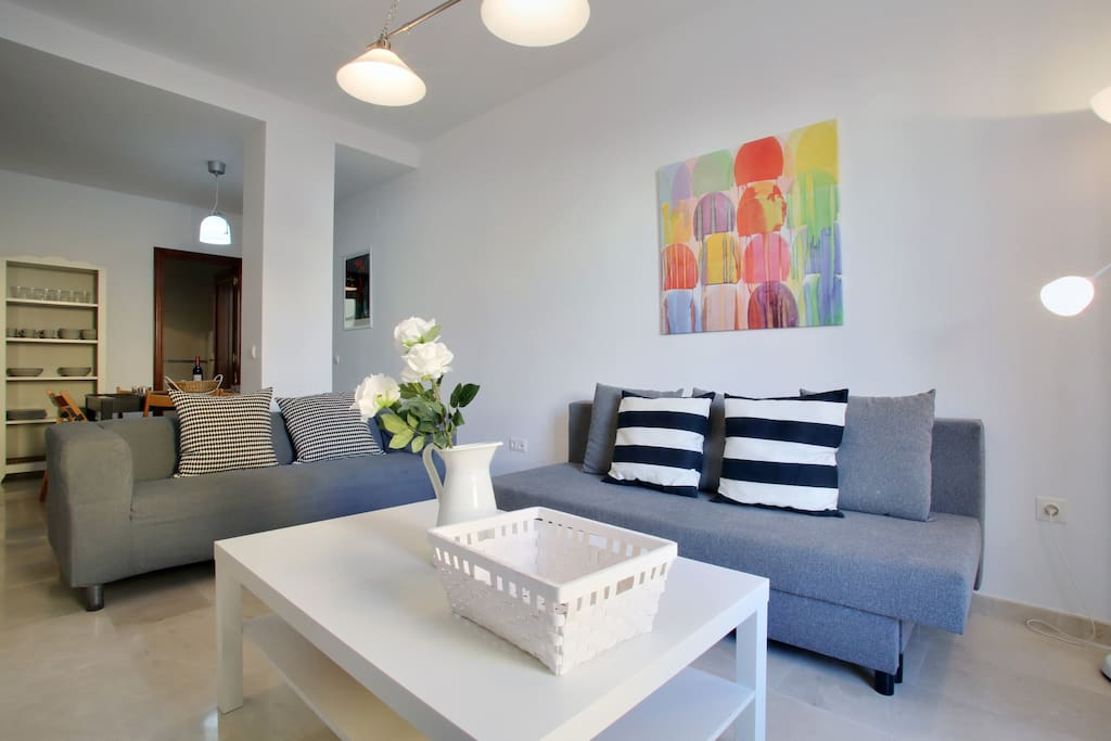 Bright modern 2 bed 2 bath apt m70 apartments for for Beds 4 u malaga
