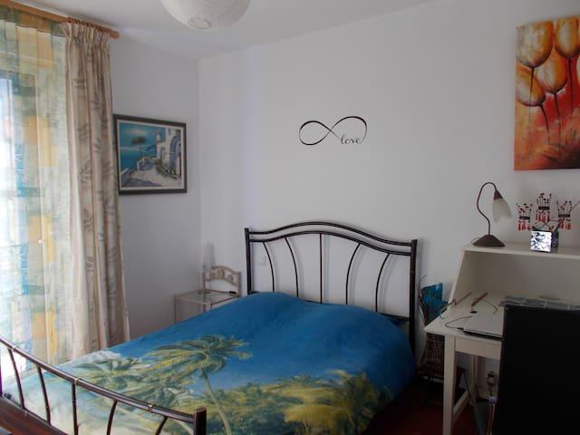 Un joli nid douillet à la frontière avec l'Espagne - Le Perthus - Appartement