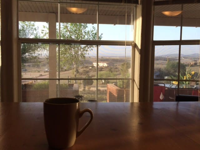 Hilltop home with observatory - Chino Valley
