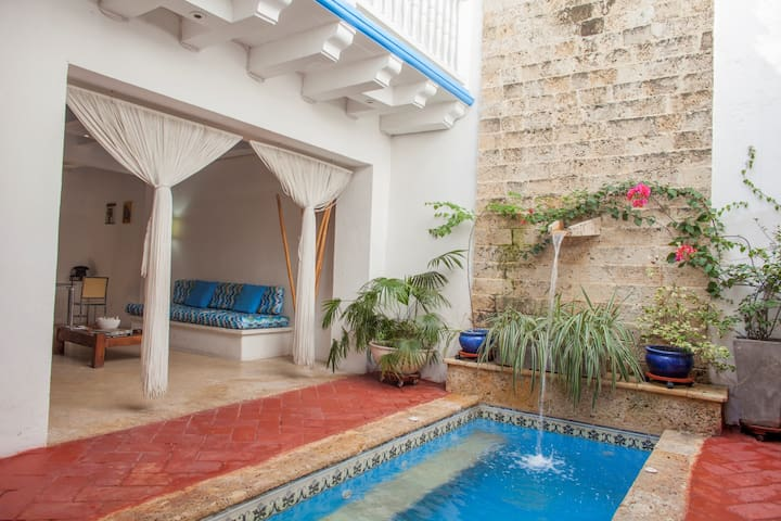 Amazing Colonia House Old City 2 bd