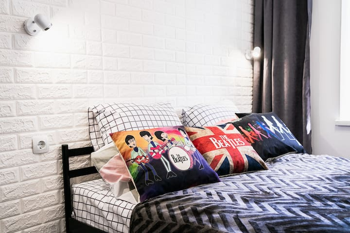 ❤️NEW Рок-н-ролл квартира-студия The Beatles Подол