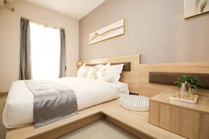 万科金色领域榻榻米精选大床房
