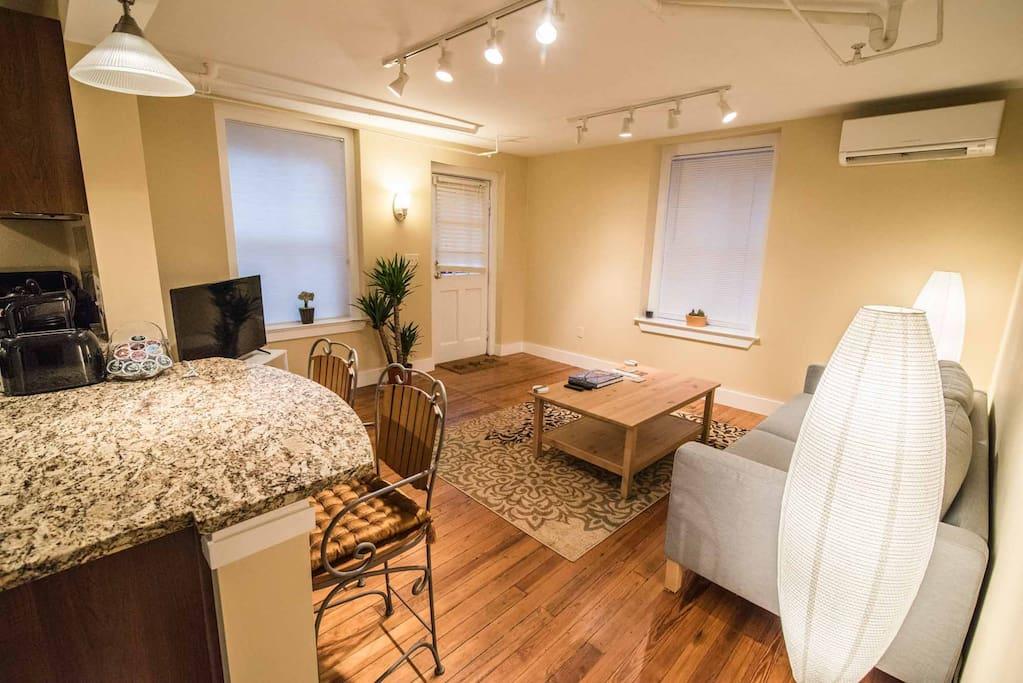 The charlottesville connection sleeps 4 appartements for Crozet salle de bain