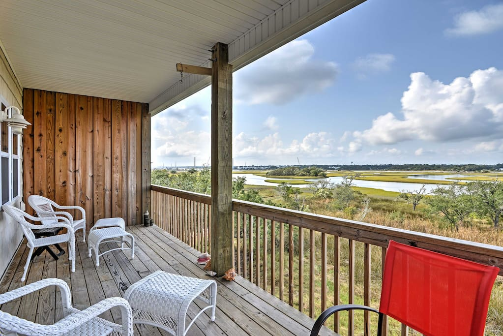 Spend your days outside on the balcony admiring the surrounding beauty.