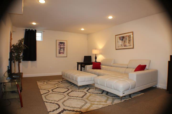Bonus lounge area