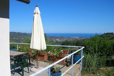 Tranquilla casetta vista mare - Dolcedo - บ้าน