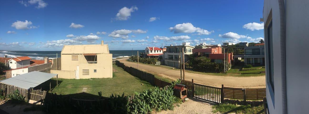 """Departamentos """"Camino al mar"""" planta baja"""