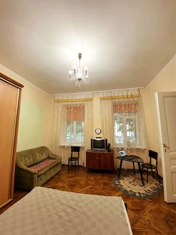 A cozy 1-room flat next to the Lviv High Castle!