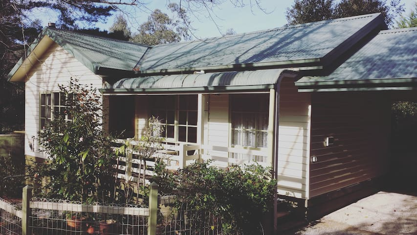 Warley Cottages - Beech Cottage - Gembrook - Houten huisje