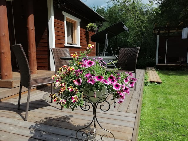 Small holiday home, tent sauna, private, LakeAinja