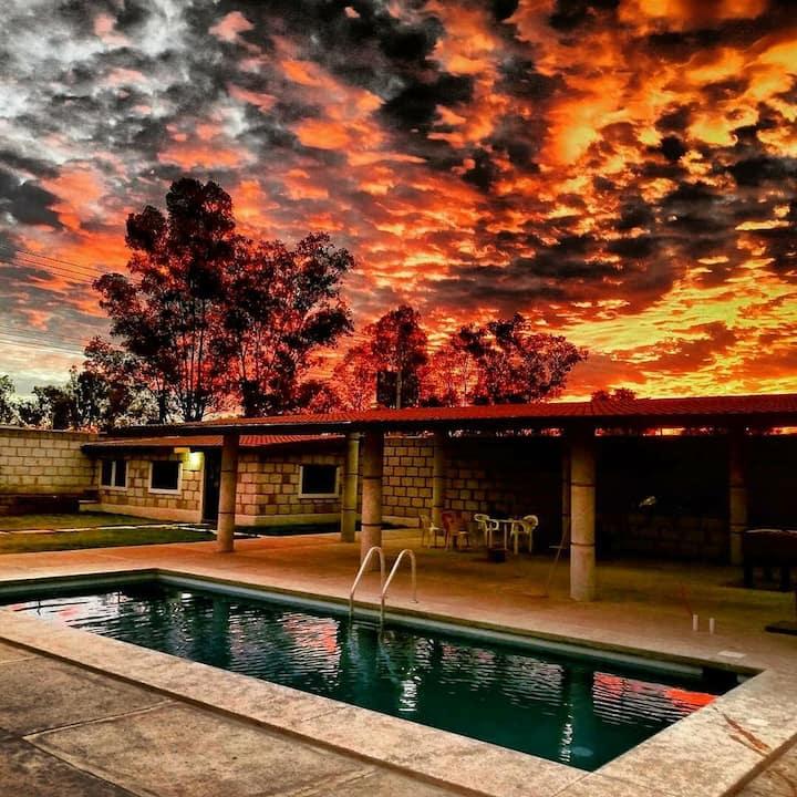 Excelente lugar con piscina