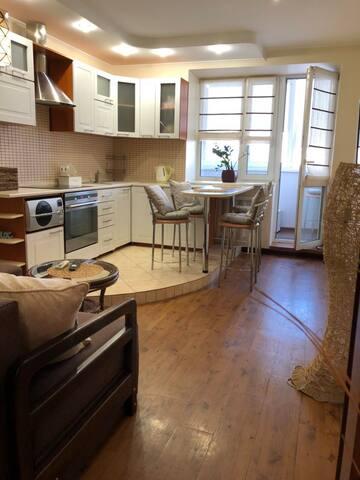 Квартира, Kyiv Кадетский Гай,