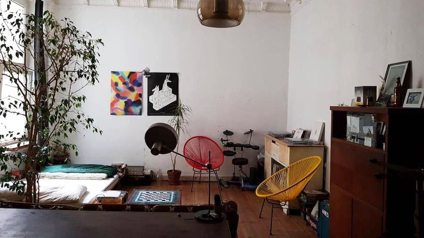 31m² room in the cultural district of Berlin