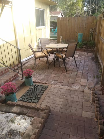 Winter Park downtown Fully Furnished rent monthly!