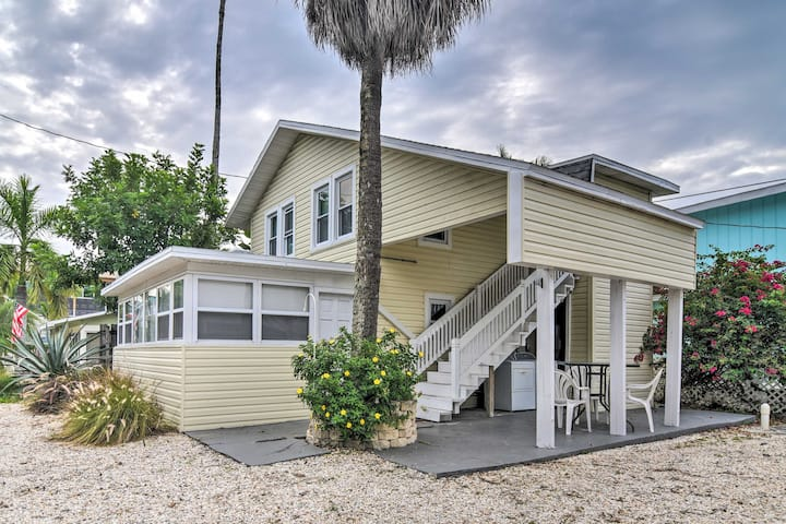NEW! Quaint Treasure Island Retreat: Walk to Beach