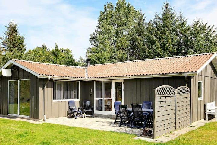 Pintoresca casa en Farsø con hidromasaje