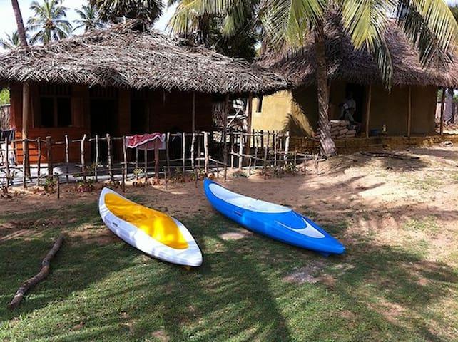 Dinuda KiteSurfing Resort Full Board Wooden Cabana - Kalpitiya