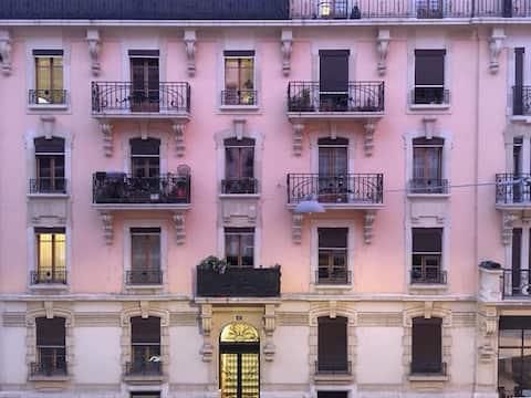 Diplomat's Pied-a-terre