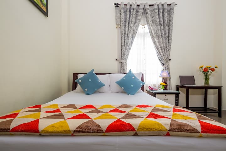 Sunny @Double room - nearby the My Khe Beach