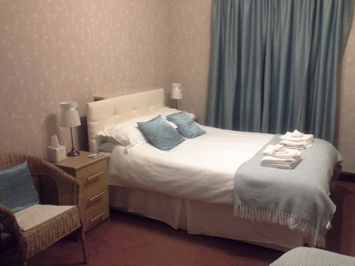 Cae Gwyn bed and breakfast (Sleeps 2)