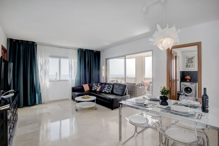 Frontline apartmt in Estepona Port!  Fantastic! - Estepona - Apartment