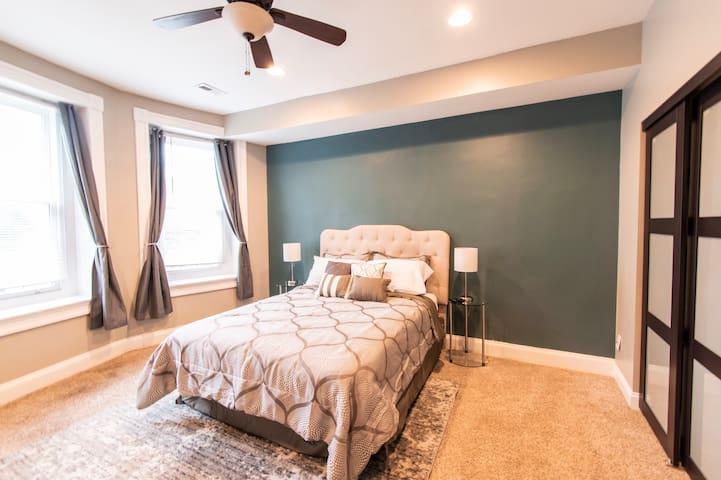 Private room & bath convenient to Baltimore's best