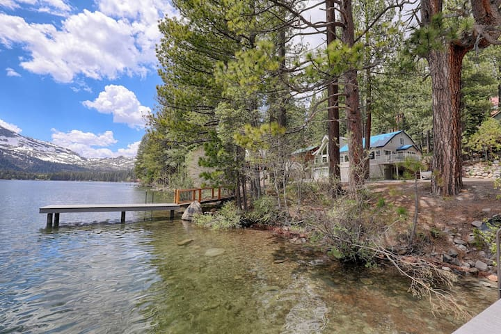 * Lake Views* Great Retreat on Donner + Dock Acess