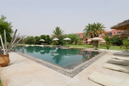 Beautiful luxury villa with huge pool in Paradise - Marrakesh