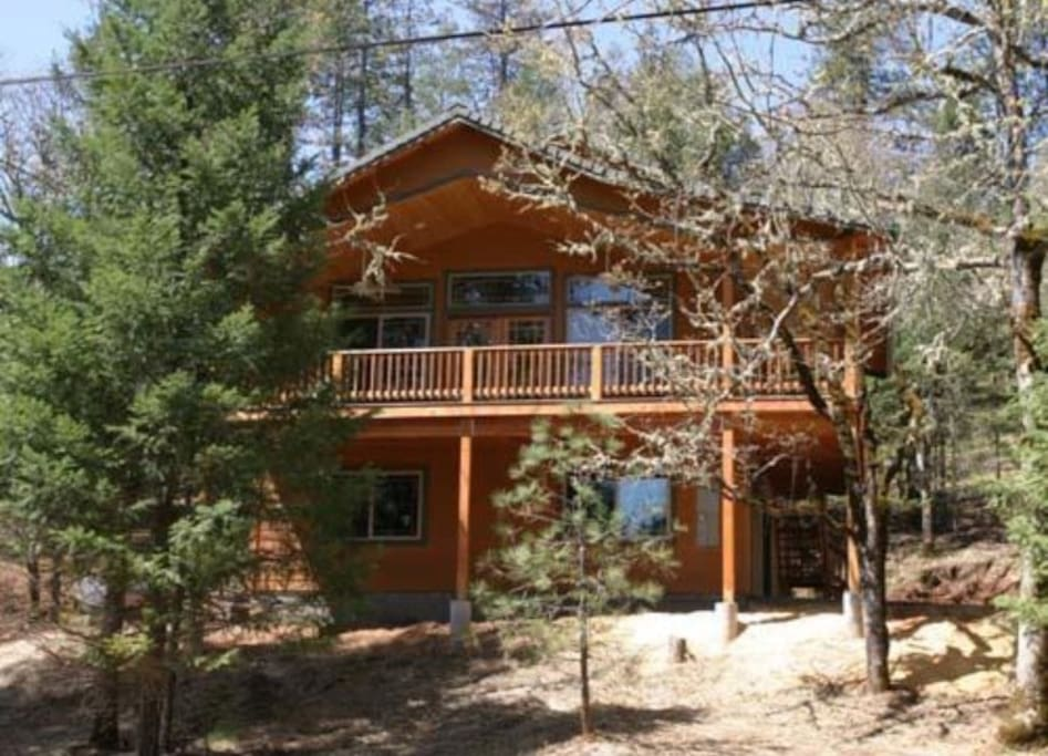 Cozy 3 Story Cabin Near The River Cabins For Rent In