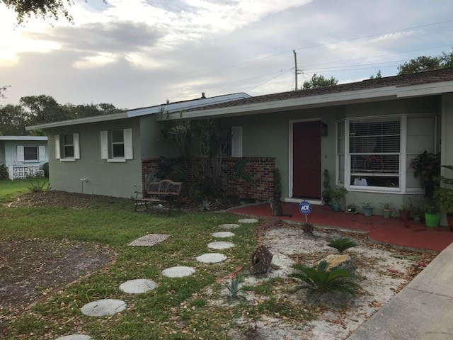 Kensington Park Cozy Room 25 Min From Siesta Key