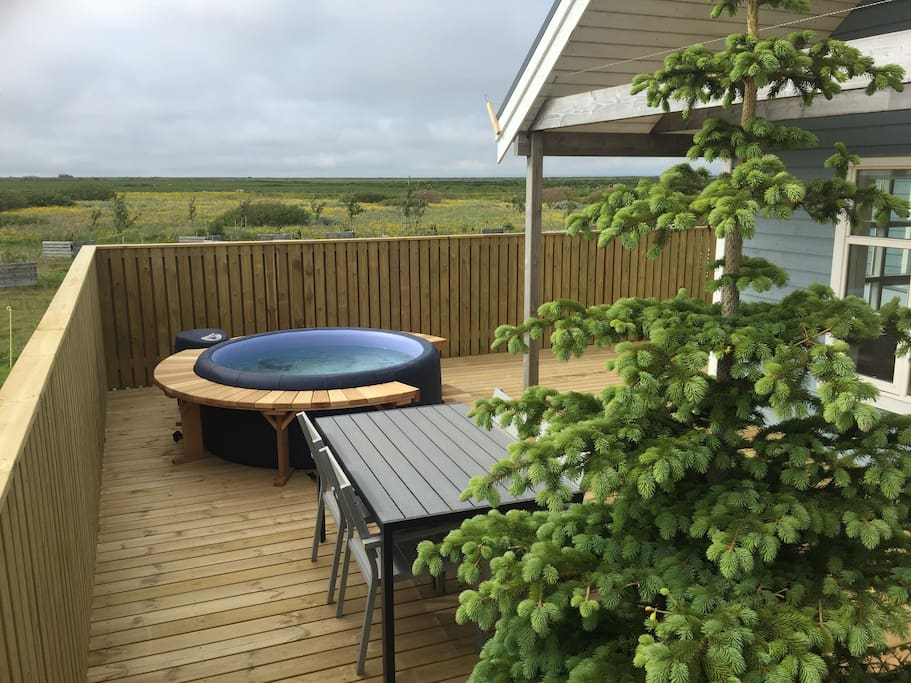 ...or enjoying breakfast in the sun? Or gaze at the northern lights while you lay back in the tub?