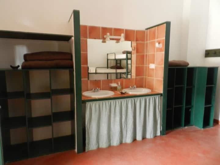 Hostel Layos Toledo - habit economica 6 camas - Tarifa estandar