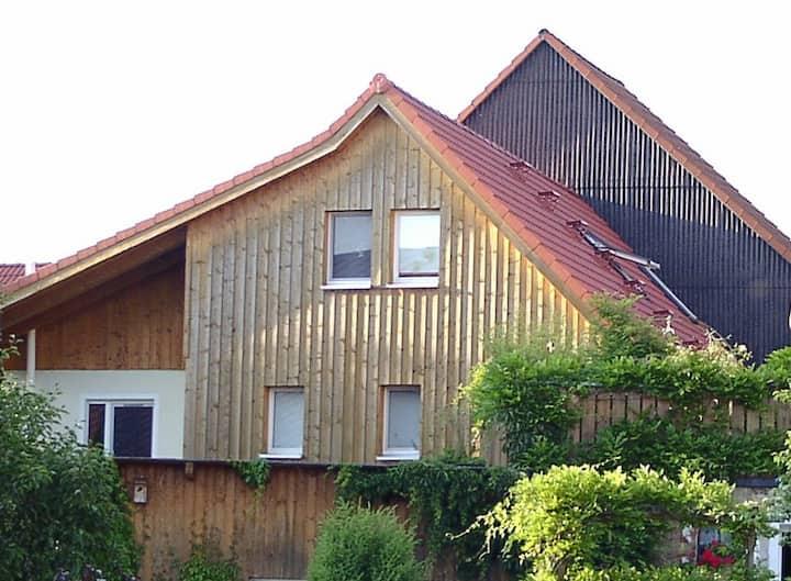 Nähe Bayreuth: Ganzes Holzhaus Gemütliche 225 m2,