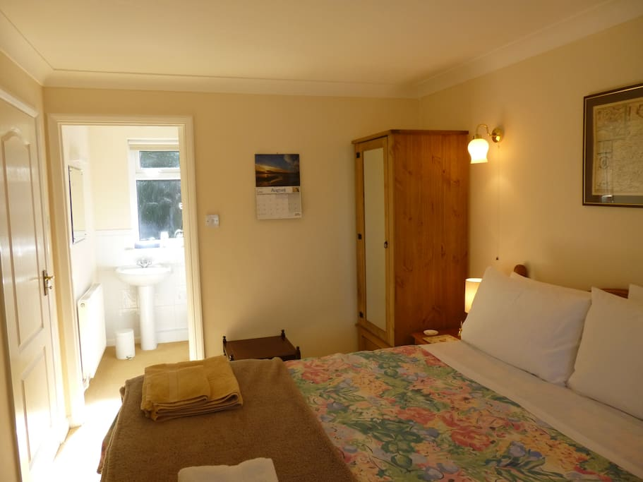 Bedroom has ensuite shower & toilet, wardrobe, hair dryer.